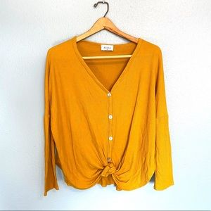 AURA Front knot Sweater